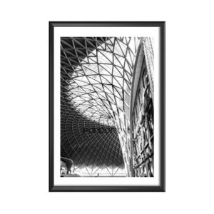 London-train-station-Kevin Buy cadre